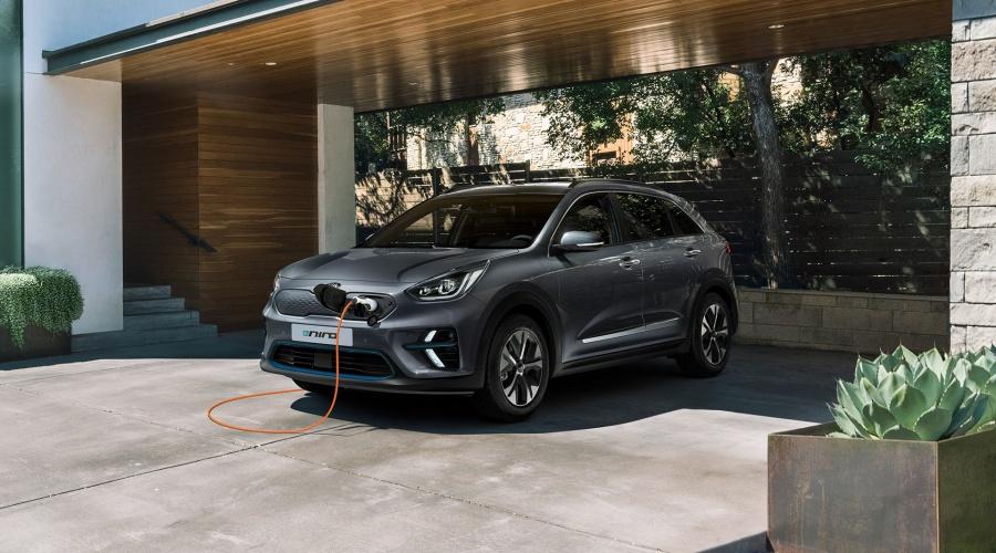 Kia e-Niro (model year 2019) charging