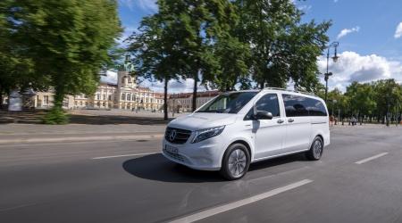Mercedes-Benz eVito Tourer driving