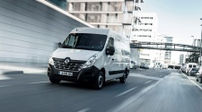 Renault MASTER Z.E. driving